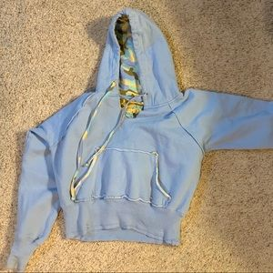 EUC unique teen blue cropped hoodie size small